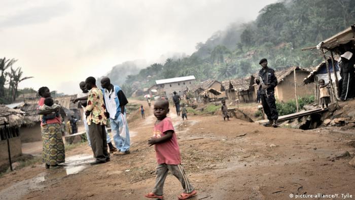 Straßenszene in Luvungi, Nord-Kivu, DR Kongo