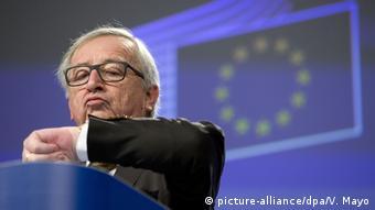 Голова Єврокомісії Жан-Клод Юнкер після онлайн-вотуму європейців заявив, що пропонуватиме країнам ЄС відмовитися від переведення годинників