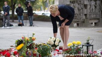 Chemnitz Franziska Giffey legt Blumen nieder