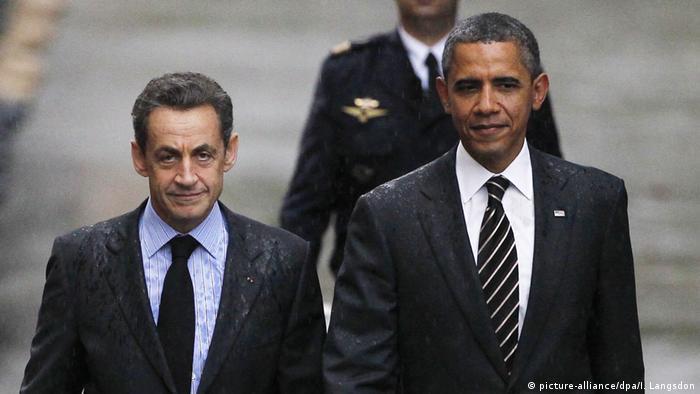 Kuriose Staatsempfänge Nicolas Sarkozy und Barack Obama (picture-alliance/dpa/I. Langsdon)