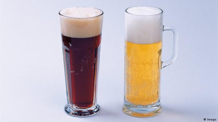 A cola and a beer (Imago)