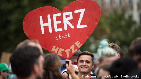 Тисячі людей вийшли в Хемніці на акцію проти ксенофобії
