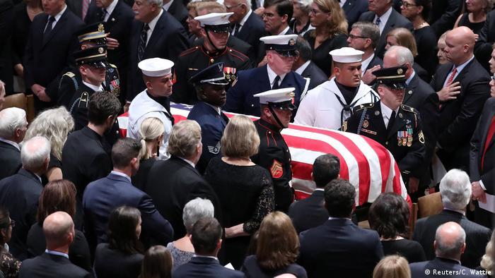مراسم یادبود مککین در کلیسای جامع واشنگتن