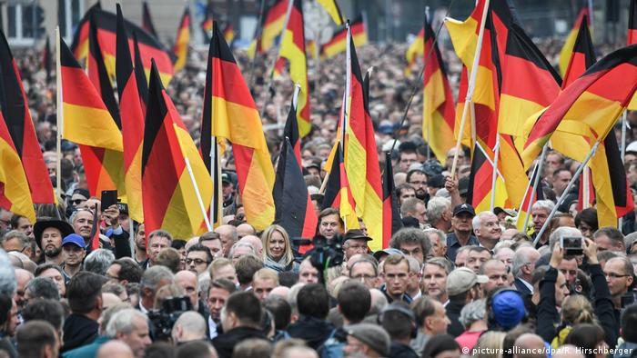 A demonstration in Chemnitz (picture-alliance/dpa/R. Hirschberger)