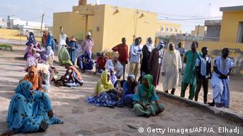 Les bureaux de vote en Mauritanie ont connu une faible affluence pour le second tour des élections législatives et locales, en raison notamment des intempéries à Nouakchott. L'opposition avait également dénoncé d'importants problèmes d'organisation.