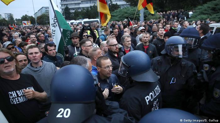 Deutschland AfD-Kundgebung und Gegenproteste in Chemnitz ziehen tausende Demonstranten an