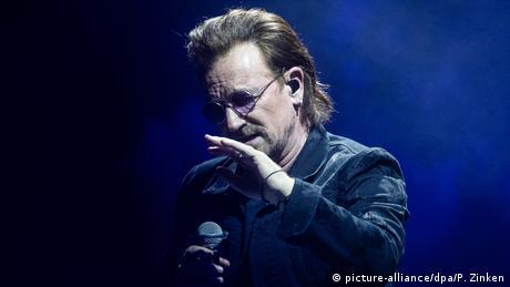 Лідер гурту U2 Боно втратив голос під час концерту в Берліні