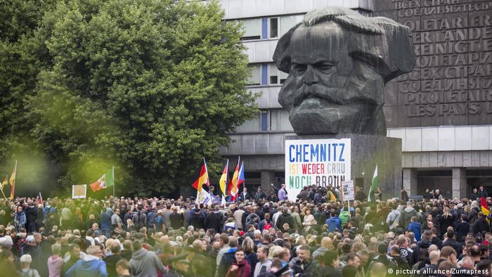 Rechte demonstrieren in Chemnitz (picture alliance/Zumapress)