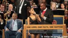 Charles Ellis und Ariana Grande bei der Beerdigung von Aretha Franklin
