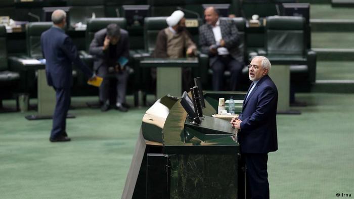 Según una agencia iraní, cuatro buques de guerra de la Marina estadounidense fueron desplegados en el mar Caribe con vistas a una posible confrontación con petroleros iraníes. Por esto, el ministro iraní de Relaciones Exteriores Mohamad Javad Zarif, le advirtió a Estados Unidos que no impida los envíos de productos petroleros de Irán a Venezuela. (17.05.2020)