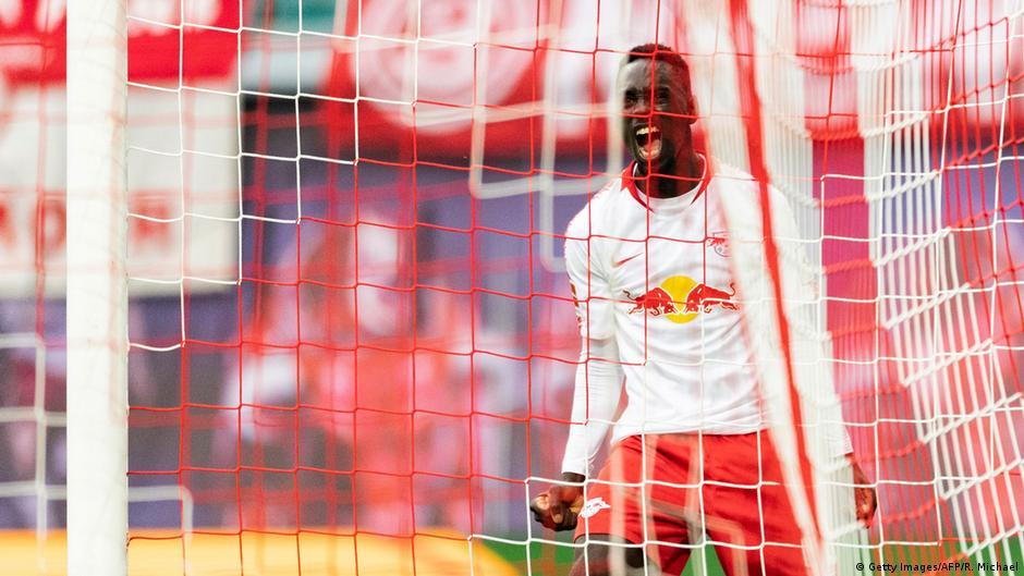 Bundesliga transfers: RB Leipzig lose a striker, Schalke sign left back