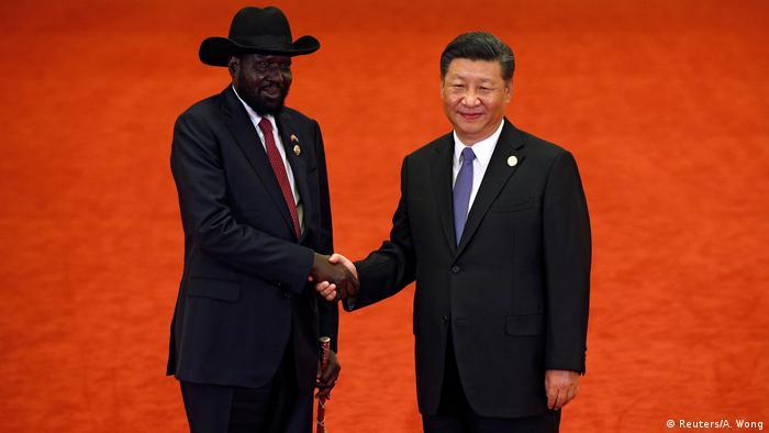 China Peking - Afrika Gipfel - Xi Jinping und der südsudanische Präsident Salva Kiir Mayardit (Reuters/A. Wong)
