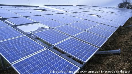 Solar panels (picture-alliance/dpa/Construction Photography/Photosh)