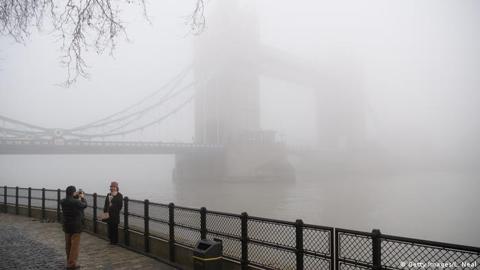 London im Nebel (Getty Images/L. Neal)
