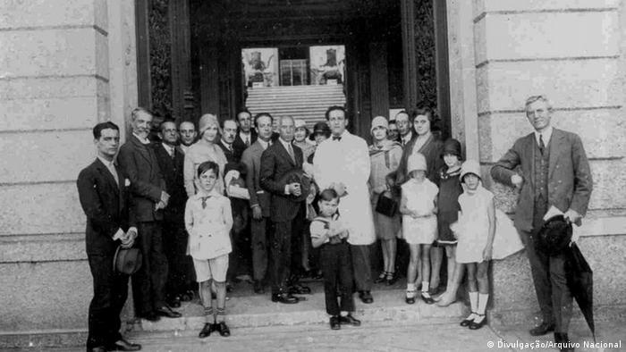 Alberto Santos Dumont no Museu Nacional, em 1928