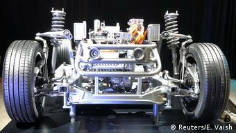 Schweden, Stockholm: Erstes Elektroauto EQC (Reuters/E. Vaish)
