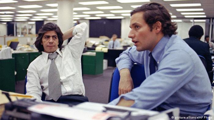 USA, Washington: Archiv 1973, Die Reporter Bob Woodward und Carl Bernstein (picture-alliance/AP Photo)