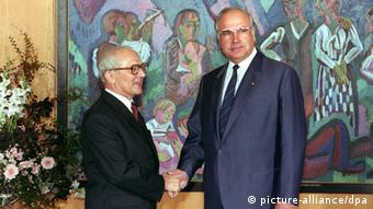 Helmut Kohl (dir.) recebe Erich Honecker em Bonn em 1987