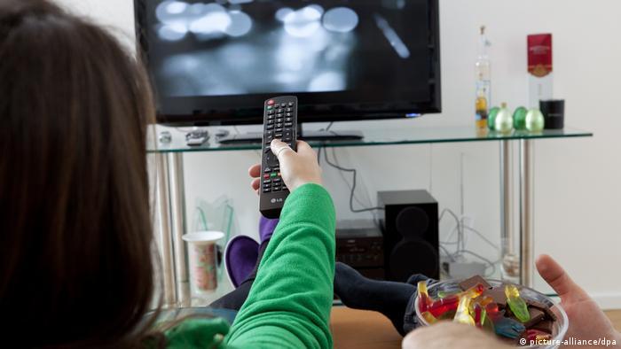 Deutschland Freizeit Fernsehen Symbolbild