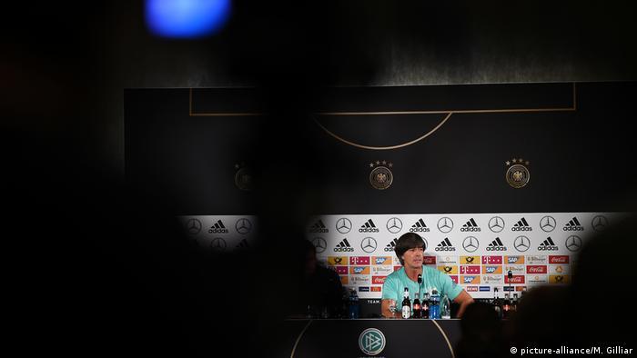 Deutschland, München: DFB Pressekonferenz mit Joachim Jogi Löw