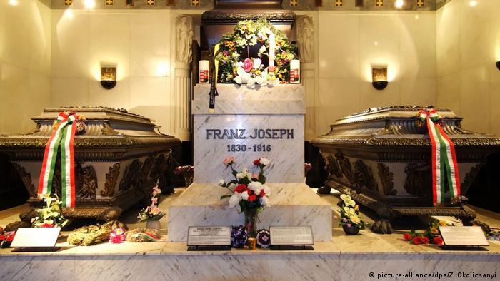 In der Kapuzinergruft, der Bestattungsstaette der Habsburger im 1... (picture-alliance/dpa/Z. Okolicsanyi)
