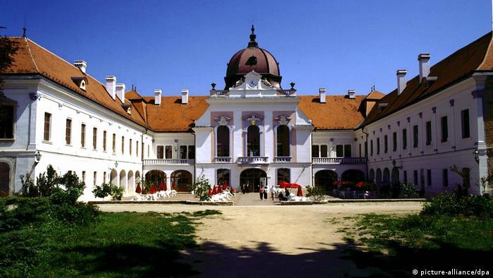 Sophia Lorens Sohns Hochzeitsfest auf Schloss Gödöllö (picture-alliance/dpa)
