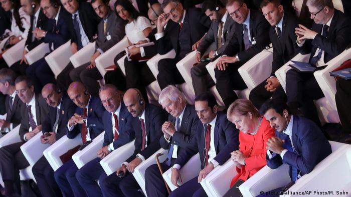 Picture of participants in the conference