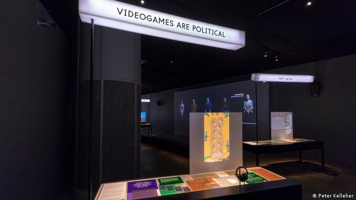 Blick in Ausstellung Videogames: Design/ Play/ Disrupt. im Victoria & Albert Museum (V&A) in London. (Peter Kelleher)