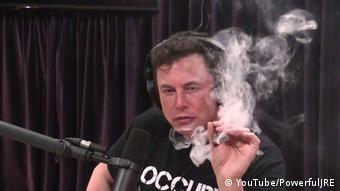 Илон Маск во время скандального интервью