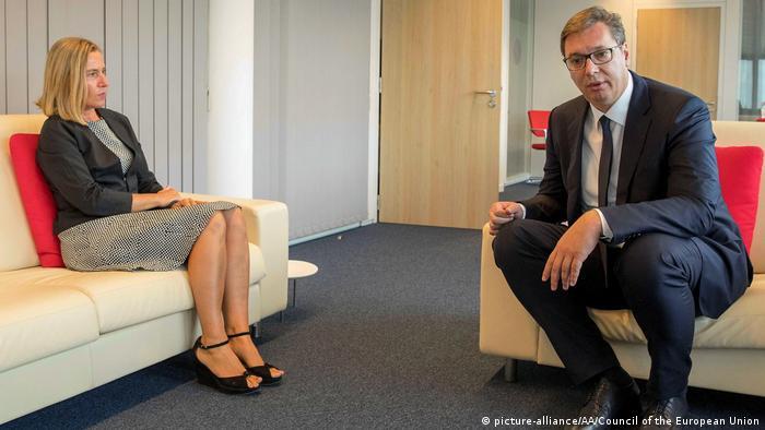 Brüssel - Federica Mogherini trifft Hashim Tachi und Aleksandar Vucic (picture-alliance/AA/Council of the European Union)