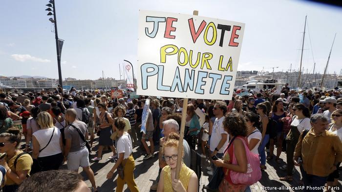 Frankreich Protestmarsch gegen Klimawandel in Paris