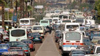 نزدیک به هفتاد زن برای راندن تاکسی در شهر قاهره درخواست کار کردهاند