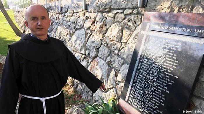Spomen ploča s imenima pripadnika franjevačkog samostana na Širokom Brijegu ubijenih 1945. godine