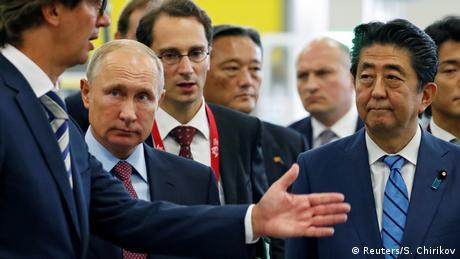 Абе та Путін продовжують шукати вирішення проблеми Курильських островів
