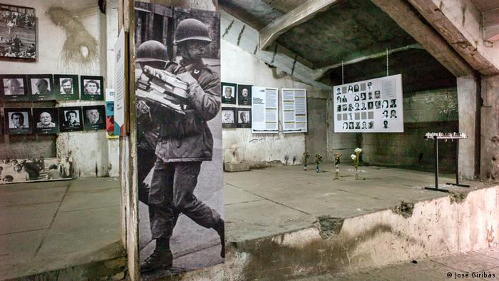 Exposición fotográfica de José Giribás en Berlín sobre centros de tortura en la dictadura chilena de Pinochet: De la tortura no se habla. (2016).