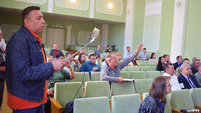 Видеоблогер Сергей Петрухин во время записи