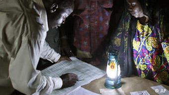 Volksabstimmung im Niger (Foto: AP)