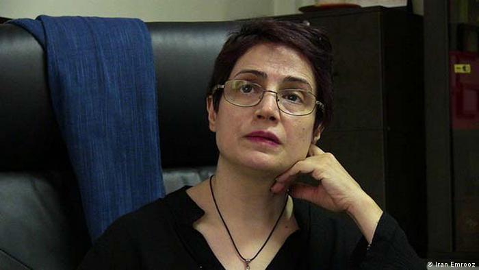 نسرین ستوده، وکیل و فعال مدنی از زندان از مردم خوزستان حمایت کرده است (عکس از آرشیو)