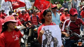 Protest gegen den geplanten Militärstützpunkten für die USA in kolumbien