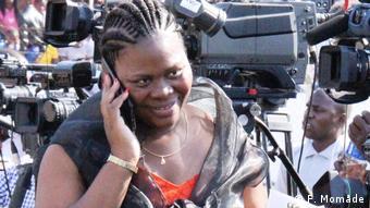 Mosambik Maputo - Emilia Moiane, direktor von GABINFO, Mosambik