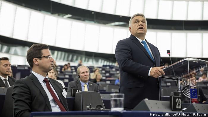 Frankreich - Viktor Orban spricht in Straßburg (picture-alliance/AP Photo/J.-F. Badias)