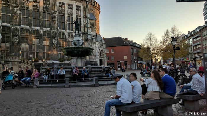 DW Reportage Aachen von Eesha Kheny   Marktplatz