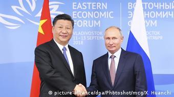 Russland   Vladimir Putin und Xi Jinping auf dem Eastern Economic Forum in Vladivostok