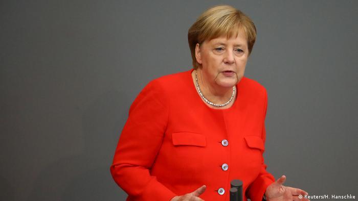Deutschland Bundestag (Reuters/H. Hanschke)