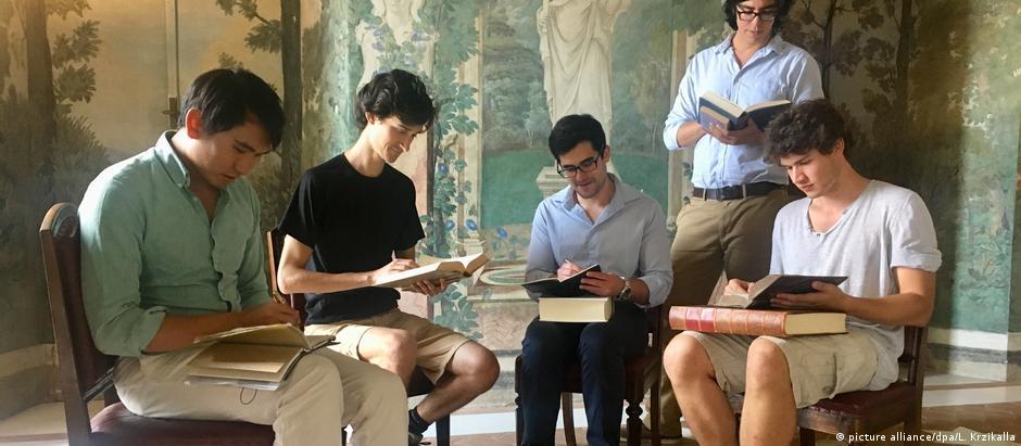 Τα λατινικά «ζωντανεύουν» στη Ρώμη