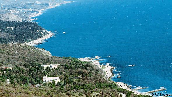 A shot of the coastline in Crimea (c)