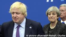 Großbritannien Boris Johnson und Premierministerin Theresa May (picture-alliance/AP Photo/T. Charlier)