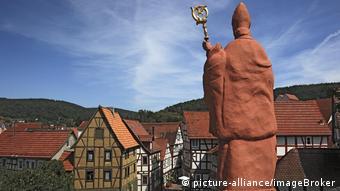 Άγαλμα επισκόπου στην Έσση