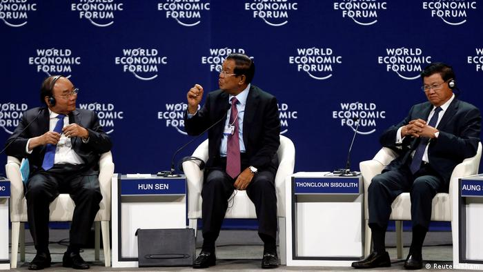 Three prime ministers: Nguyen Xuan Phuc, Vietnam; Hun Sen, Cambodia; and Thongloun Sisoulith, the leader of Laos at the World Economic forum on ASEAN