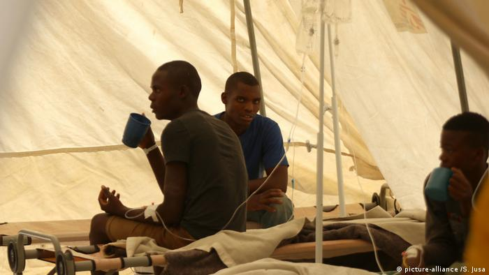 Simbabwe, Harare: Angst vor Cholera (picture-alliance /S. Jusa)